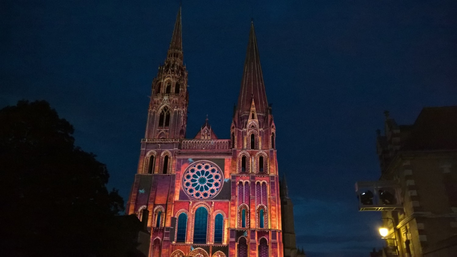 Projection mapping in the city of Chartres